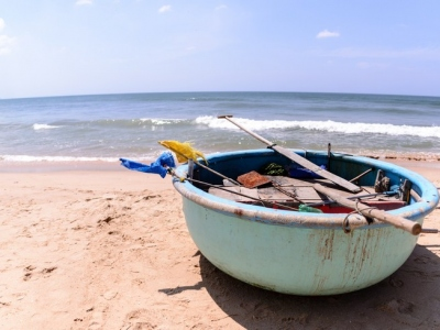 Boat-at-Phan-Thiet-beach-